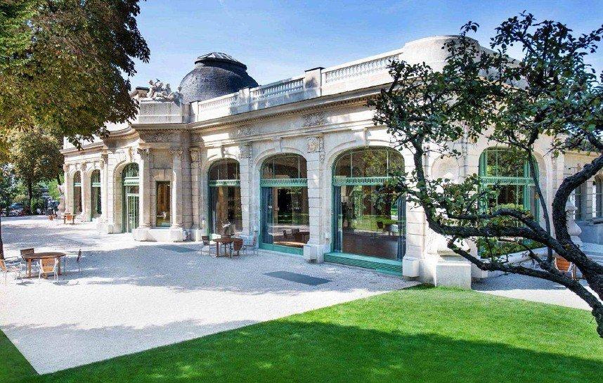 Diner d'affaires dans un cadre prestigieux à Paris restaurant groupe Paris 16