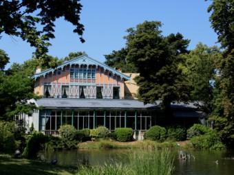 Repas entreprise dans un ancien pavillon de chasse à la lisière du Bois de Boulogne restaurant groupe PARIS 16 75