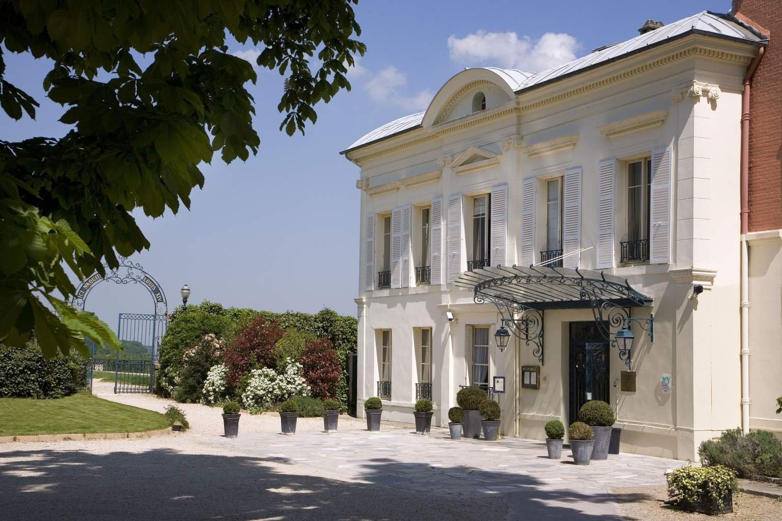 Pavillon Henri IV****