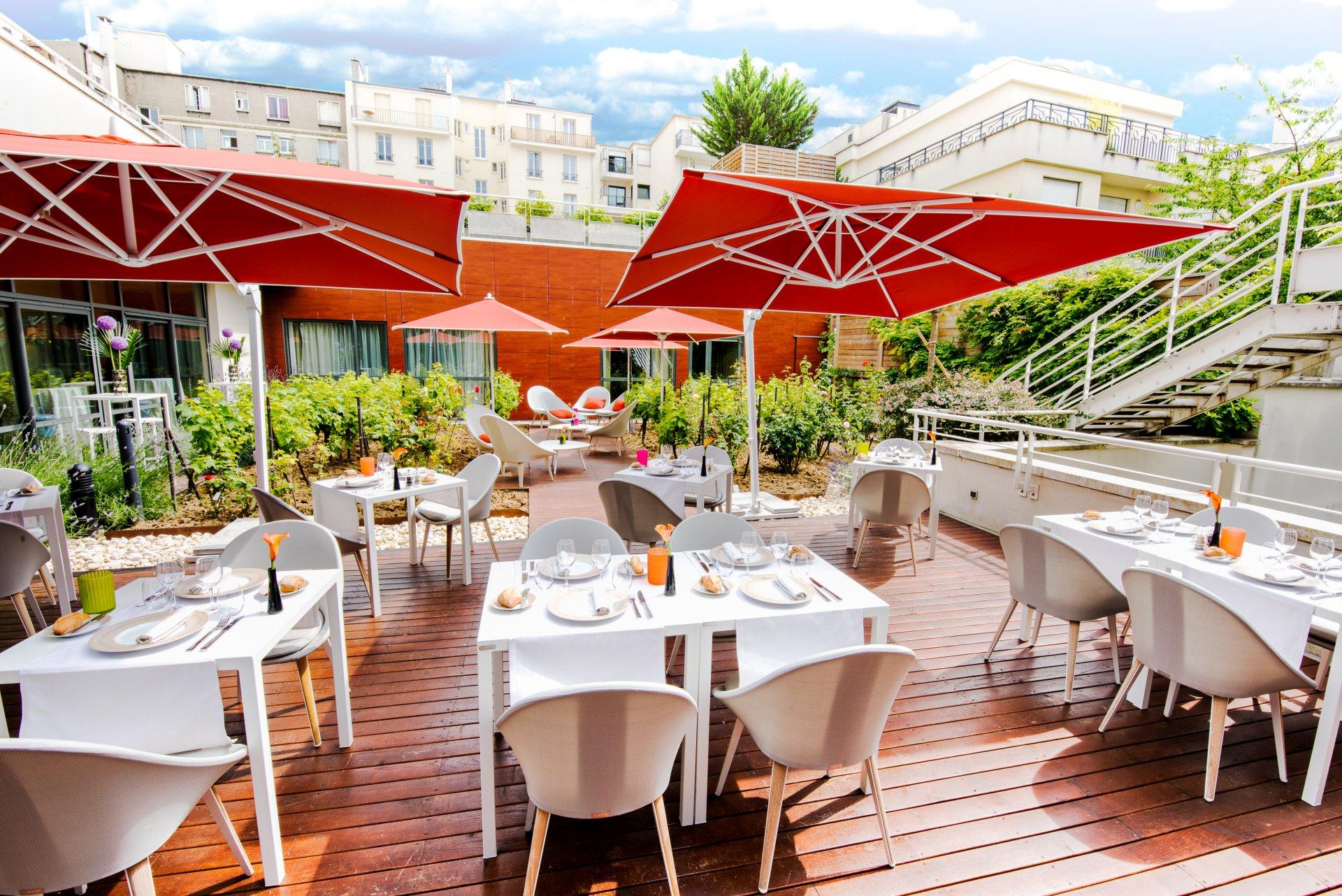 AOC Restaurant, Radisson Boulogne****