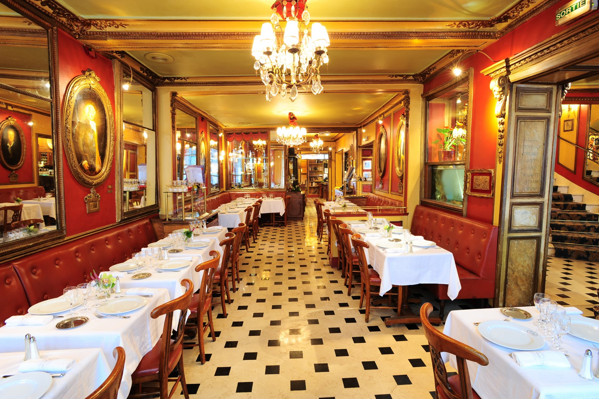 restaurant le procope paris paris. Black Bedroom Furniture Sets. Home Design Ideas