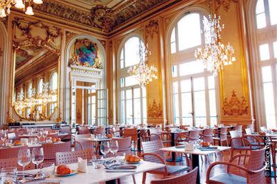 Repas entreprise dans un cadre exceptionnel au c�ur de Paris restaurant groupe Paris 7