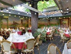 Repas entreprise  sur les hauteurs de Montmartre restaurant groupe Paris 18