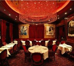 Repas entreprise dans une ambiance chic et raffinée restaurant groupe Paris 16
