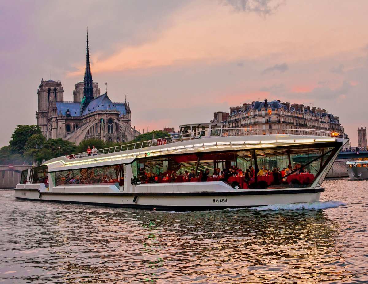 Bateaux Mouches Sightseing Cruise High Season