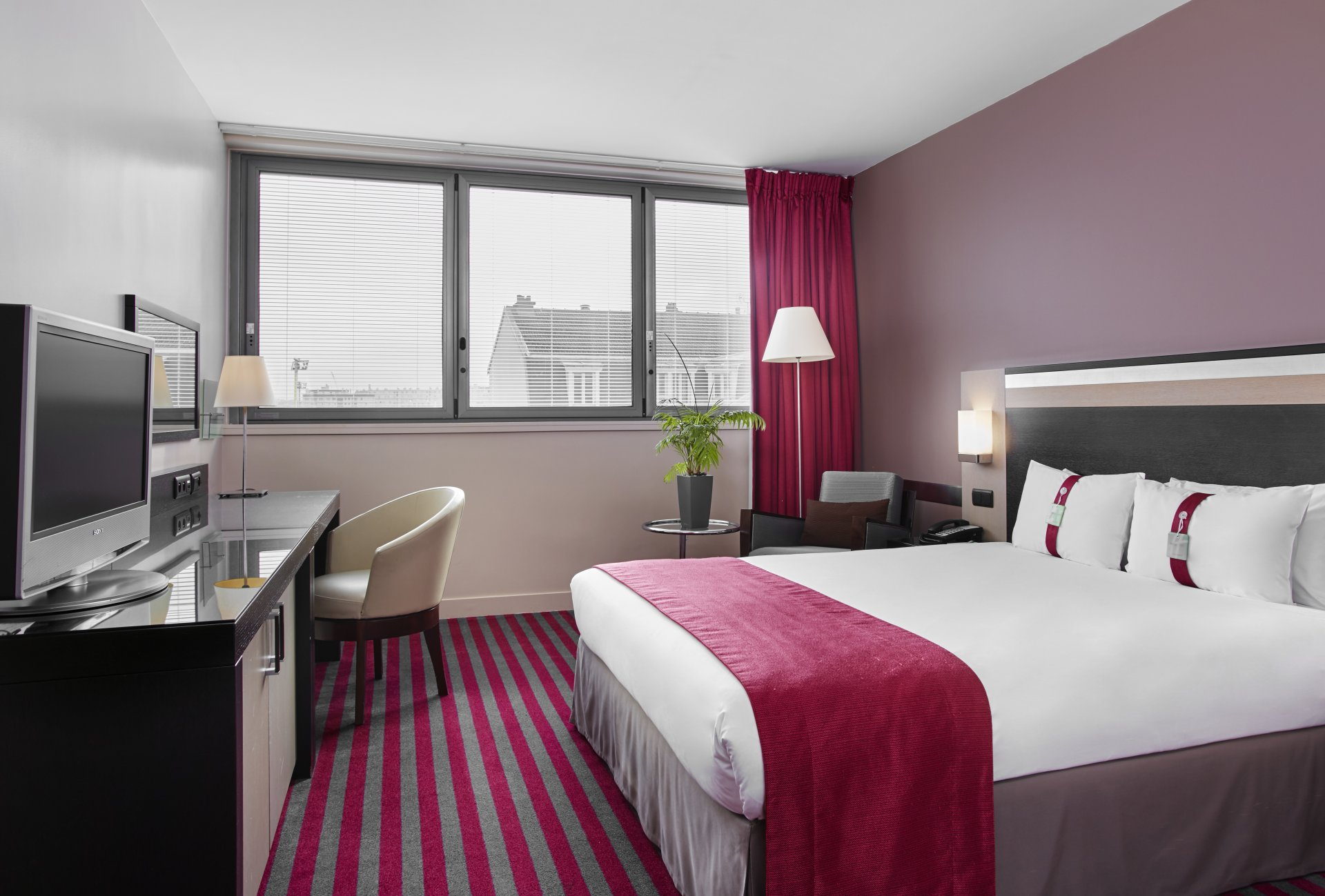 Holiday Inn Paris - Porte de Clichy****