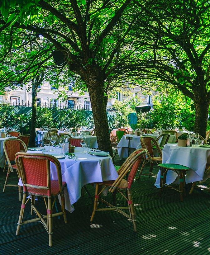 Repas entreprise dans un restaurant au style colonial pr�s de la Muette restaurant groupe Paris 16