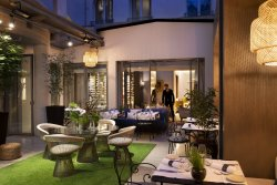 Repas entreprise dans un lieu privilégié proche des Champs Elysées restaurant groupe PARIS 8 75