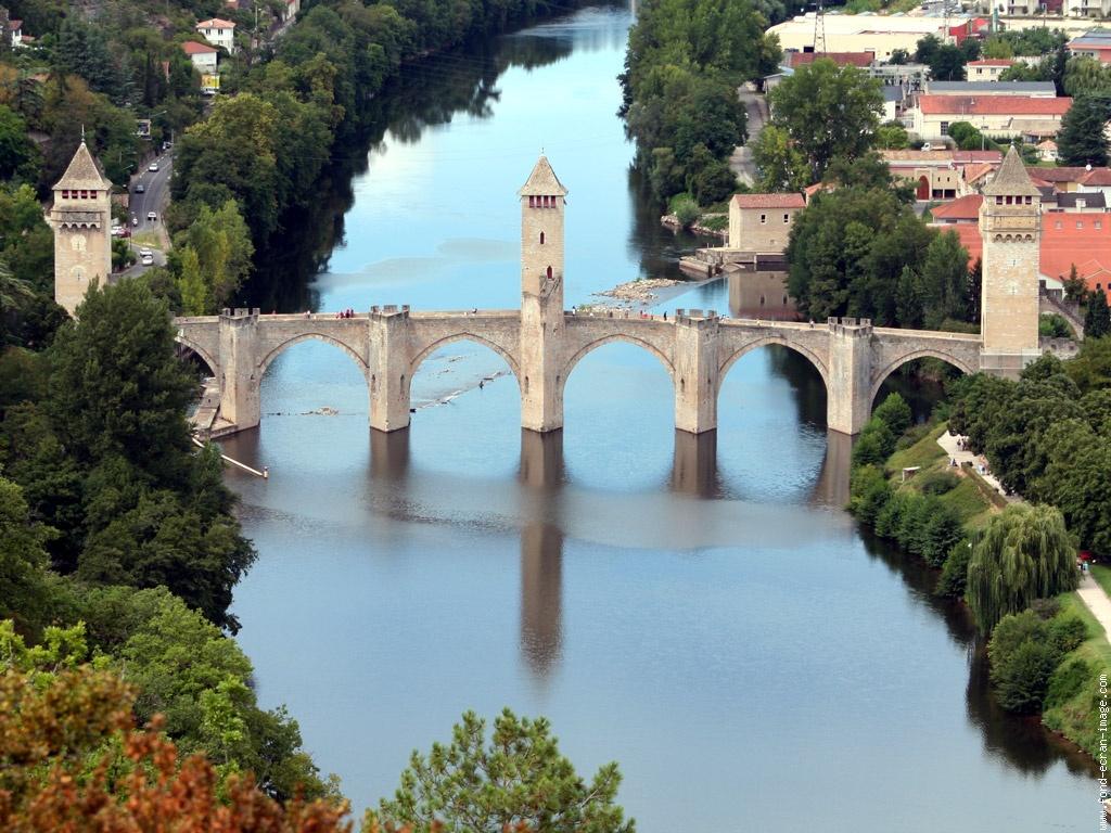 Brit Hotel Cahors - Le Valentré***