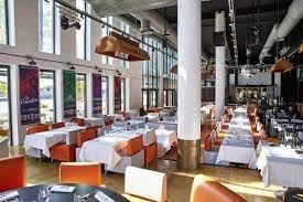 Votre repas d'entreprise dans un entrepôt chic à Lyon restaurant groupe LYON 69