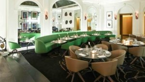 Restaurant Paris Restaurant Le V Privilège