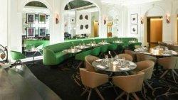 Repas entreprise dans un lieu exclusif et confidentiel près des Champs Elysées restaurant groupe Paris 8