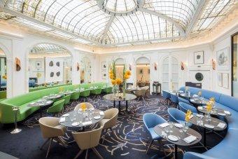 Repas entreprise dans un lieu exclusif et confidentiel près des Champs Elysées restaurant groupe PARIS 8 75