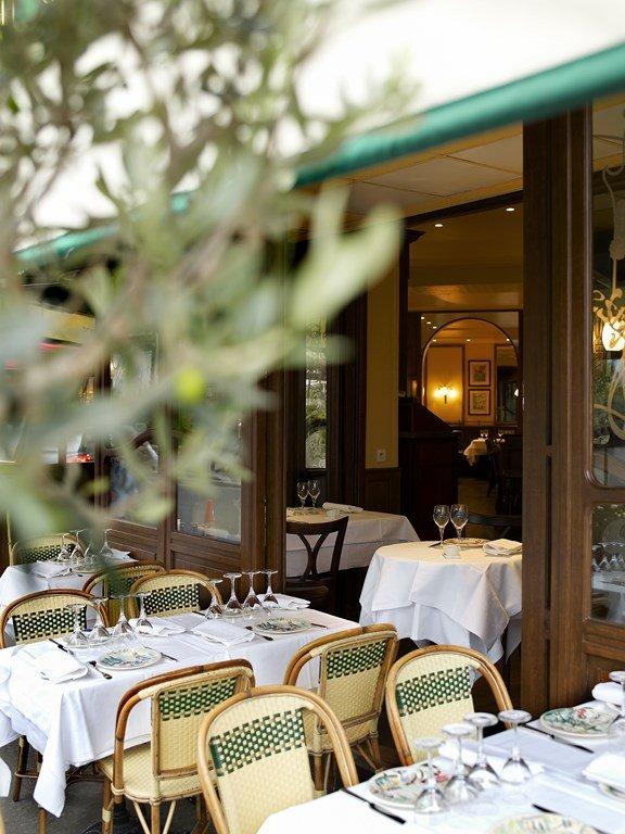 Repas entreprise dans une authentique brasserie Parisienne Porte Maillot restaurant groupe PARIS 17 75