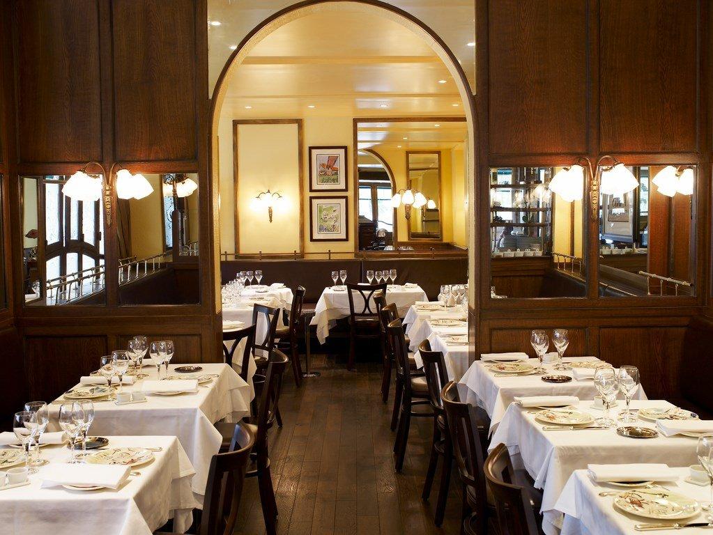Repas entreprise dans une authentique brasserie Parisienne Porte Maillot restaurant groupe Paris 17