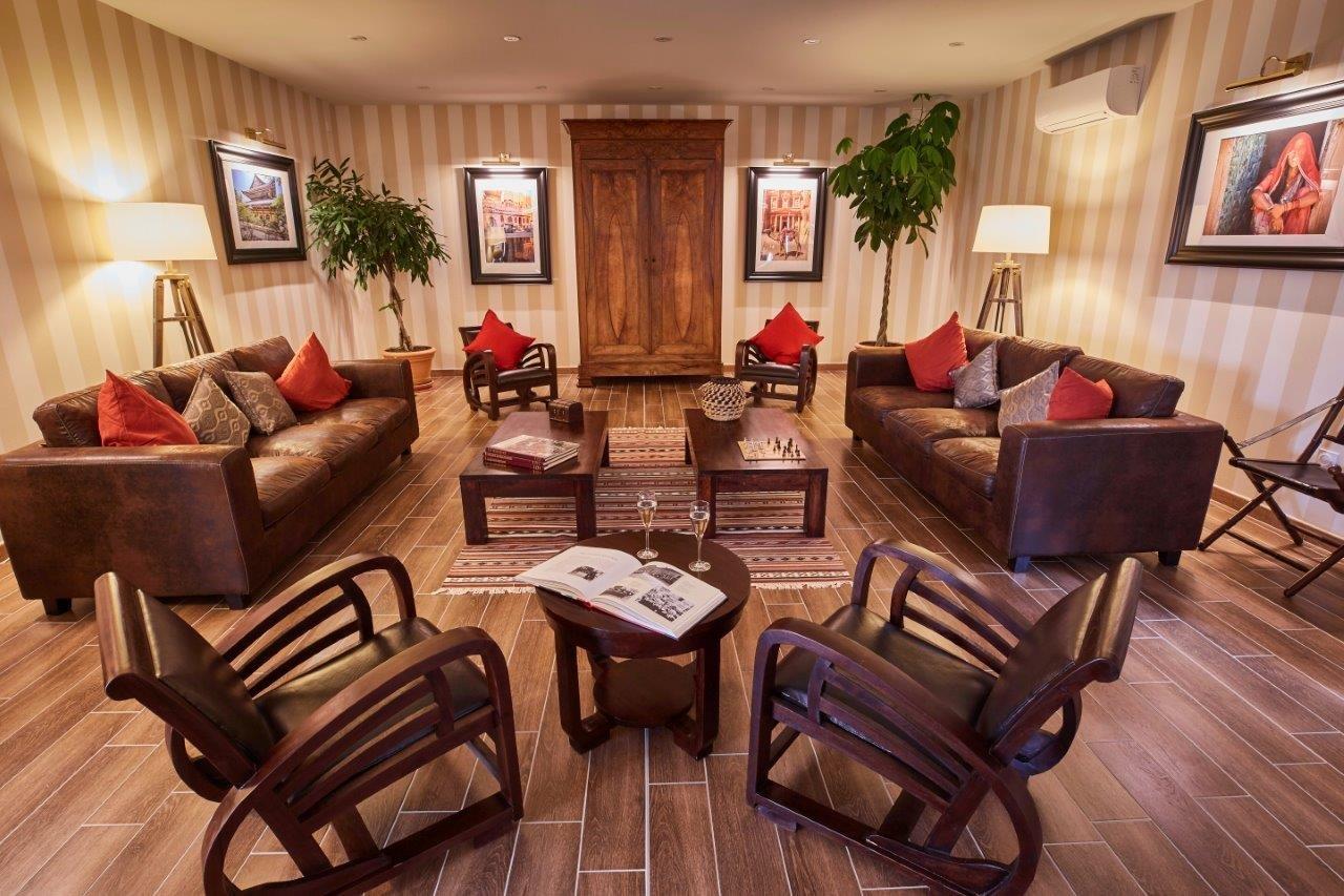 le colonial cangey amboise indre et loire offrir cadeau restaurant. Black Bedroom Furniture Sets. Home Design Ideas