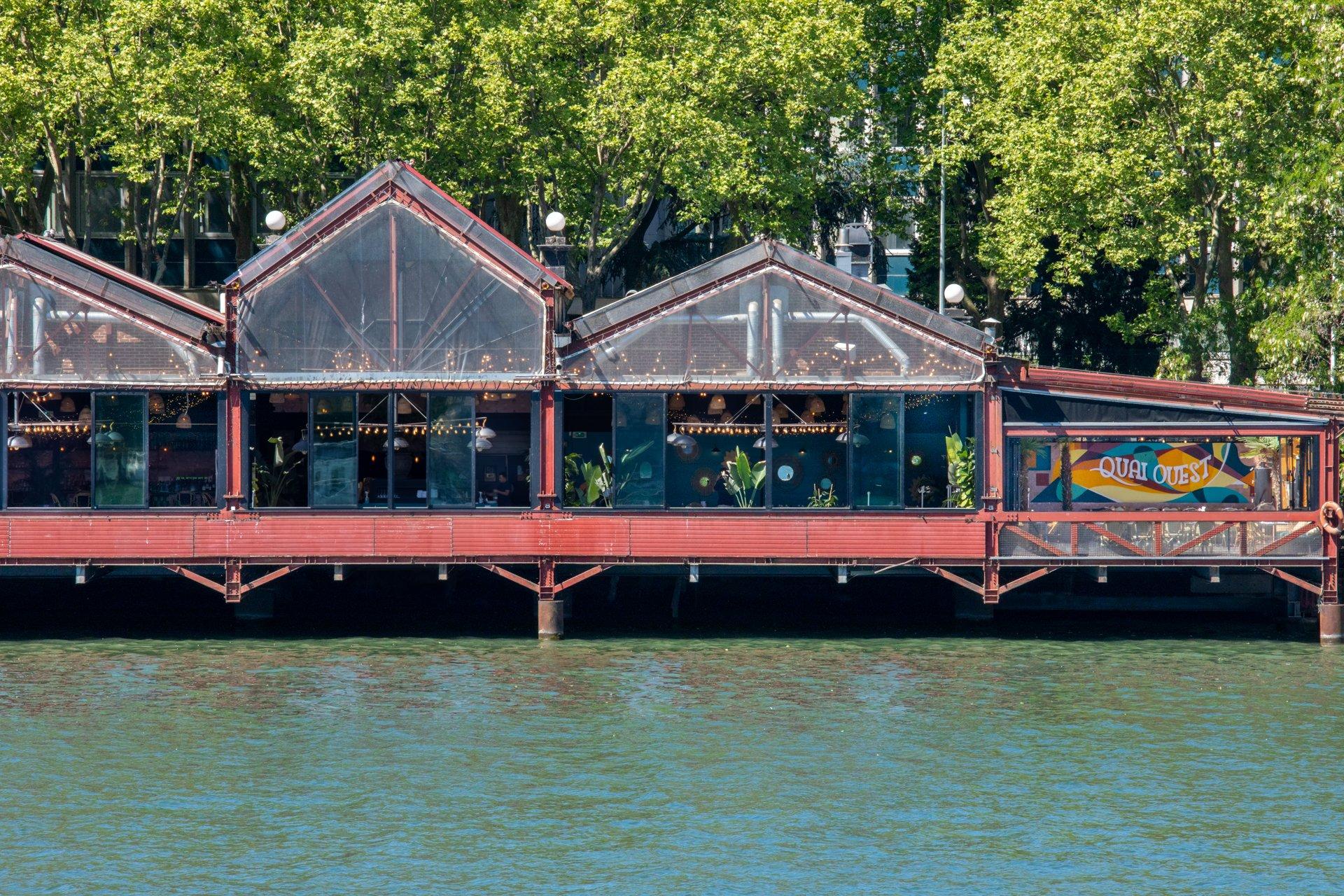 Repas entreprise en bordure de Seine restaurant groupe St Cloud 92