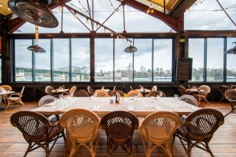 Repas entreprise en bordure de Seine restaurant groupe SAINT CLOUD 92