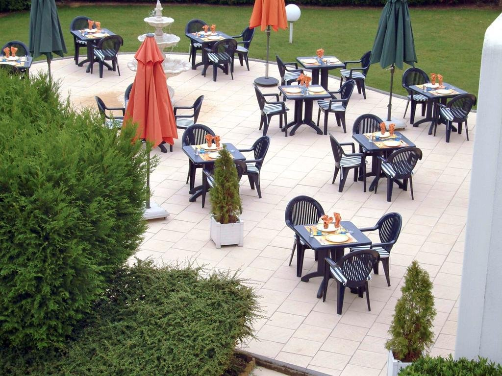 Ibis Charleville Mezières***