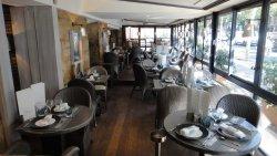 Repas entreprise dans un restaurant de spécialités de la mer à proximité du Marais restaurant groupe