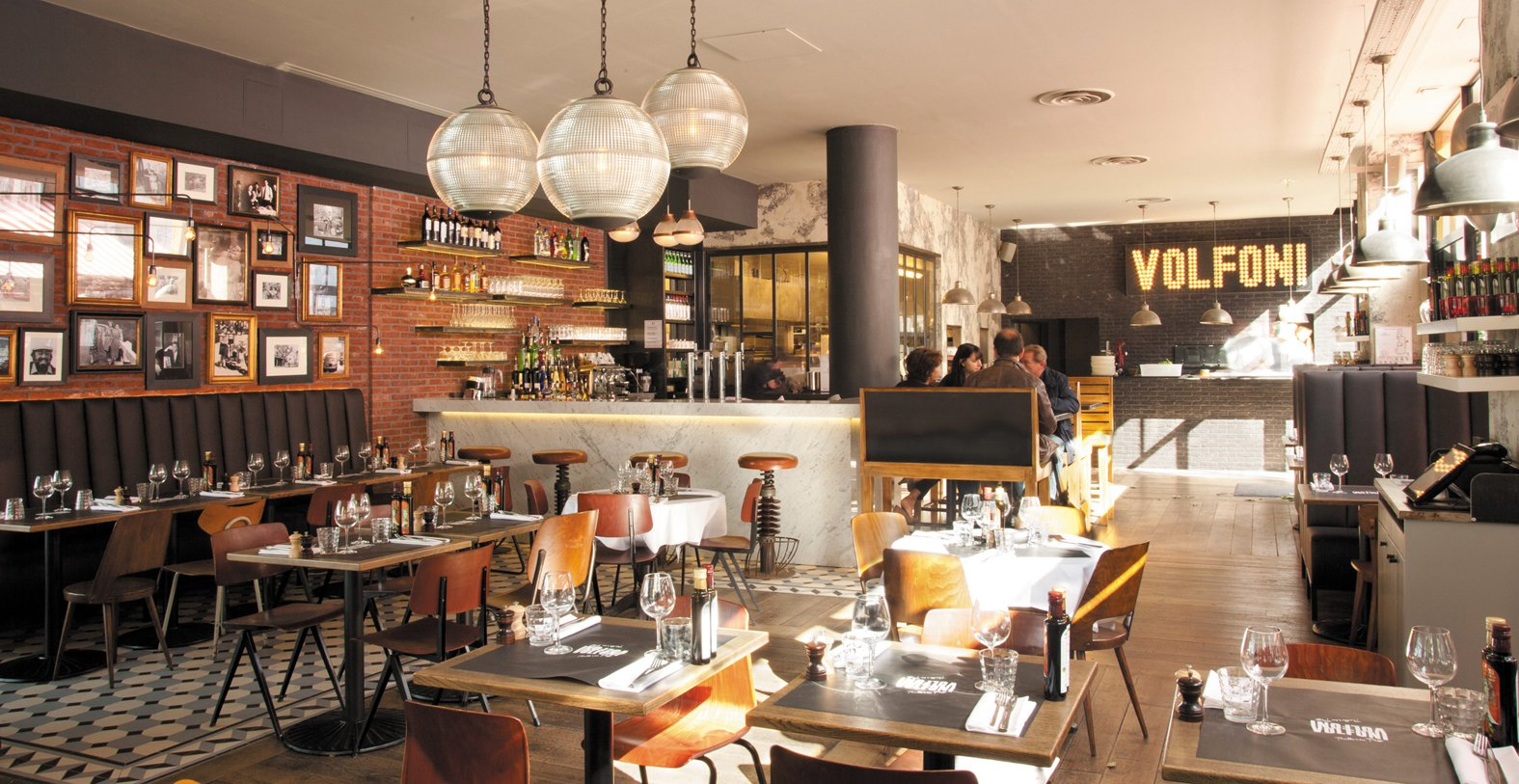 Repas entreprise dans une trattoria typique des années 50 à Boulogne-Billancourt restaurant groupe Boulogne-Billancourt 92
