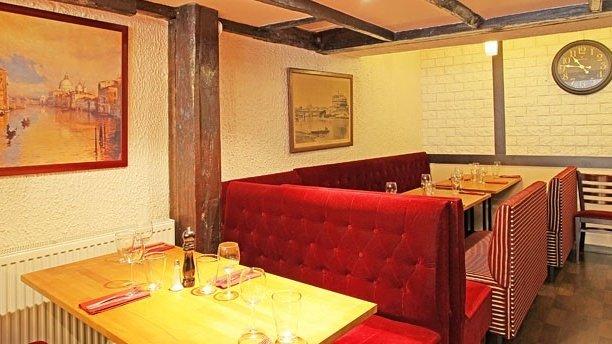 Repas entreprise dans un cadre authentique intimiste du 13ème arrondissement restaurant groupe Paris 13