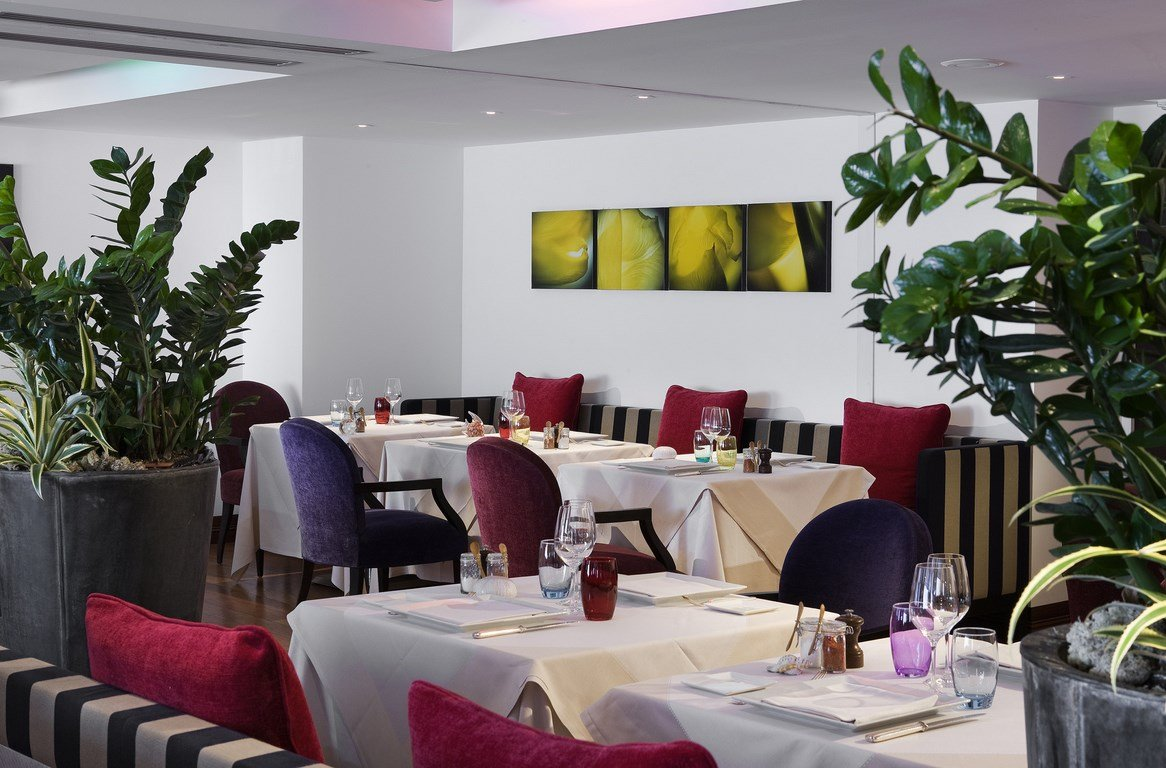 restaurant le b sofitel biarritz biarritz pyr n es atlantiques. Black Bedroom Furniture Sets. Home Design Ideas