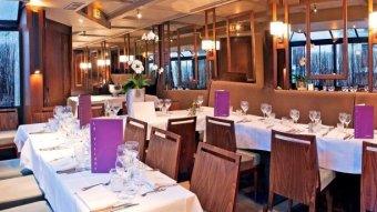 Repas d'entreprise dans une brasserie chic à Neuilly sur Seine restaurant groupe