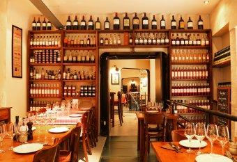 Repas entreprise dans une brasserie typique Bordelaise restaurant groupe BORDEAUX 33