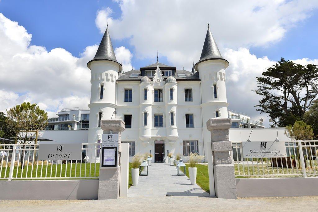 Relais Thalasso Château des Tourelles****