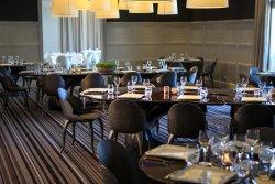 Repas entreprise dans un cadre au vert à Rueil Malmaison restaurant groupe Rueil Malmaison 92