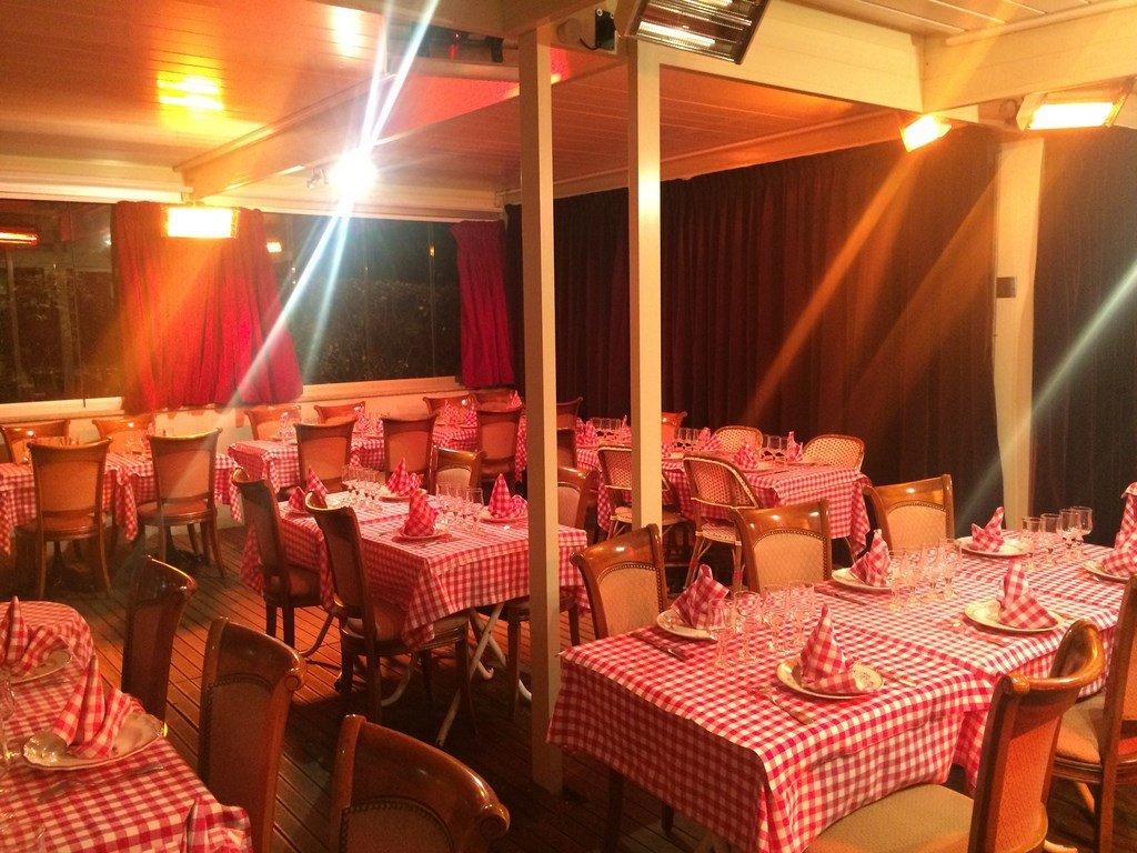 Repas entreprise dans un décor néo rustique chaleureux près de Bercy restaurant groupe Paris 12