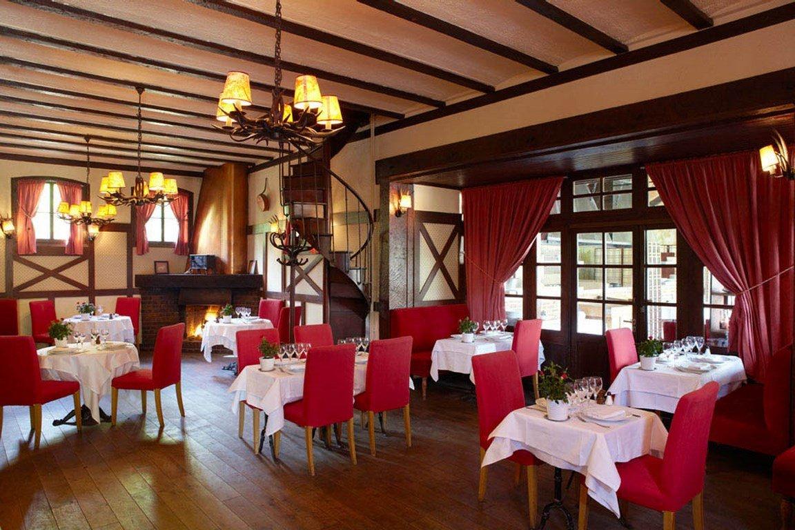 Repas entreprise dans un restaurant à l'ambiance champêtre restaurant groupe Paris 16
