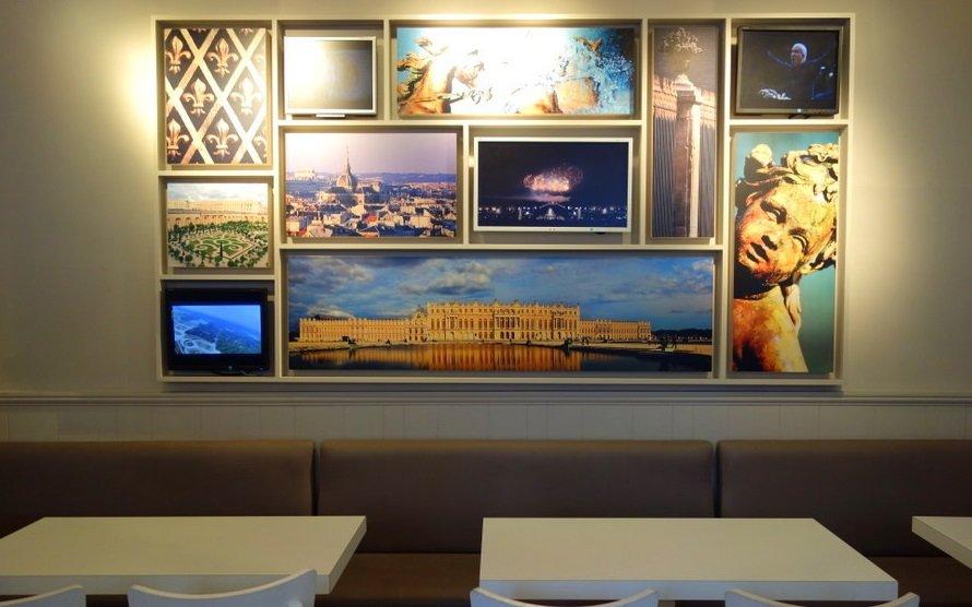 Monument Café Versailles