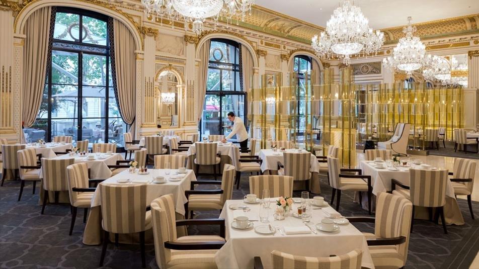 Repas entreprise dans un établissement prestigieux près de la Place de l'Etoile restaurant groupe