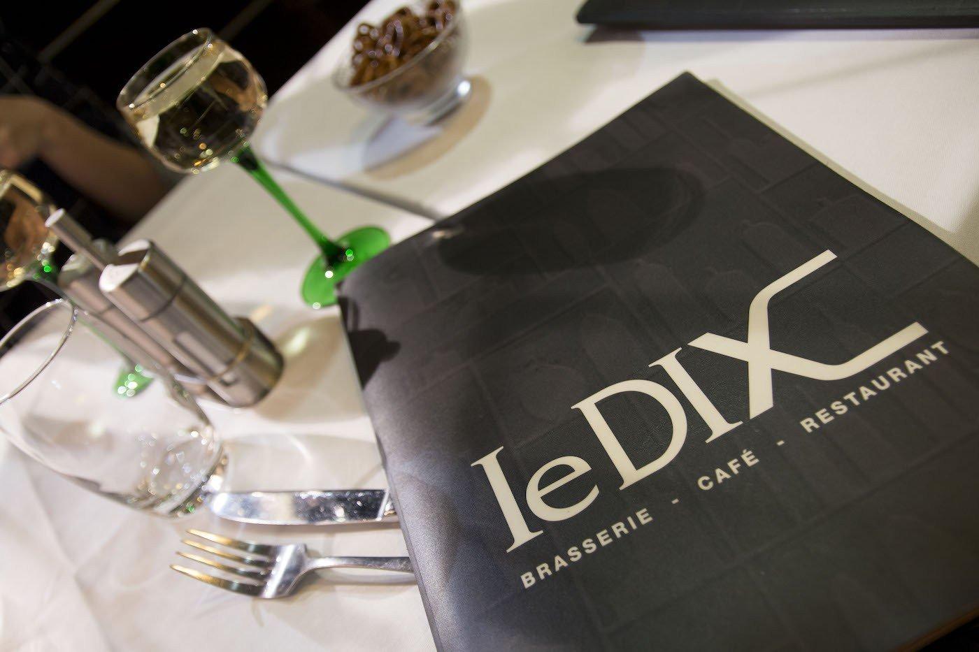 Le Dix***