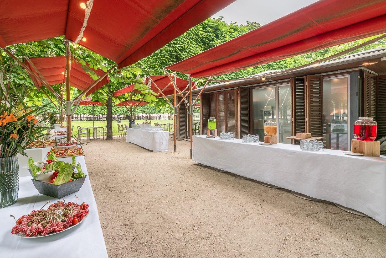 Repas entreprise dans un havre de paix restaurant groupe PARIS 1 75