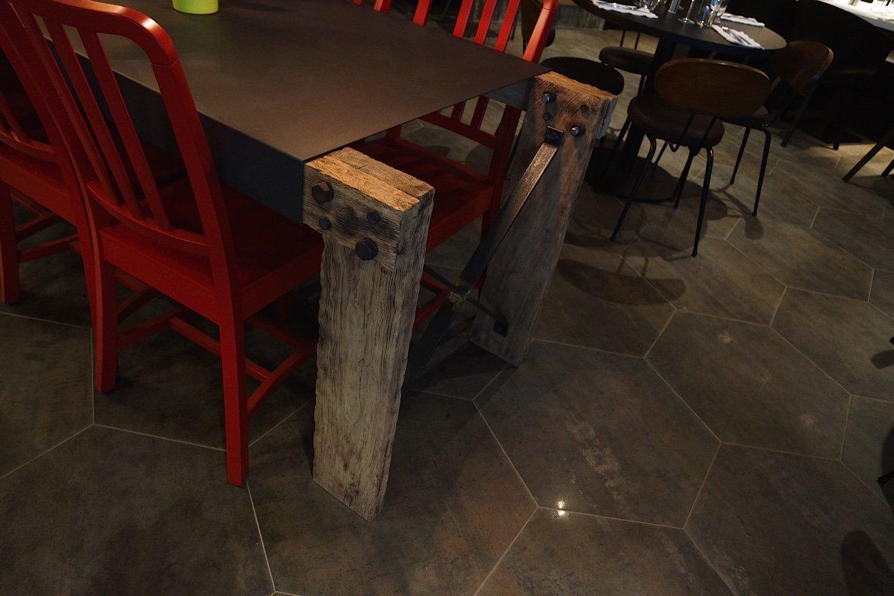 Repas entreprise dans un cadre moderne à proximité du Stade de France restaurant groupe Saint-Denis 93
