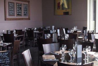 Repas entreprise dans une charmante brasserie près du Stade de France restaurant groupe SAINT DENIS 93