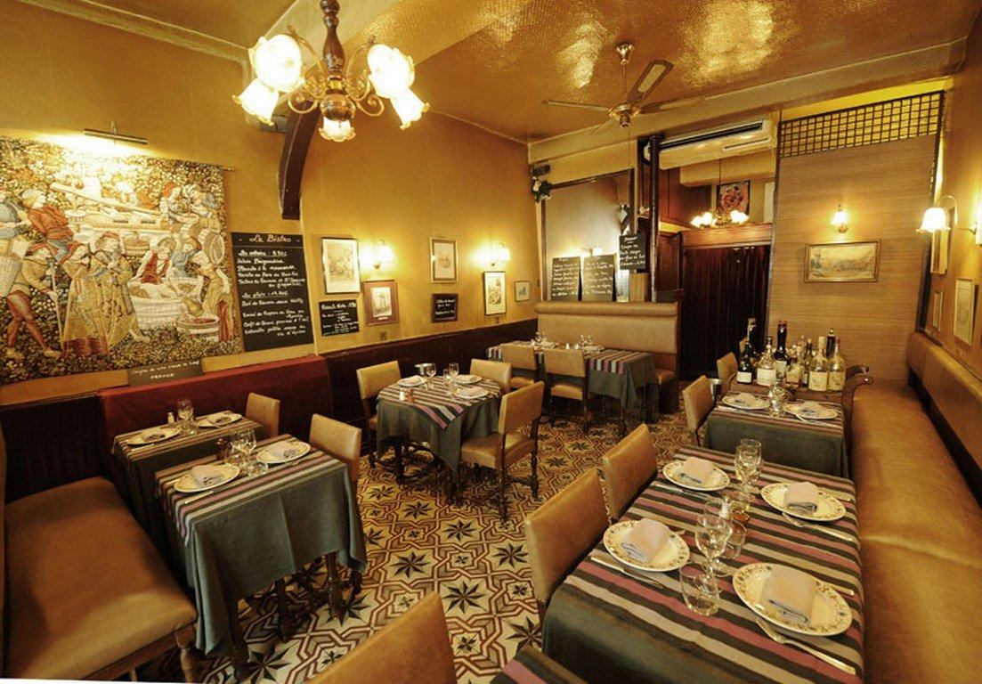 Repas entreprise dans un restaurant autentique en plein cœur du Marais restaurant groupe Paris 4