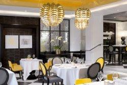 Dîner d'entreprise avec une carte signée par un Chef trois étoiles restaurant groupe PARIS 8 75