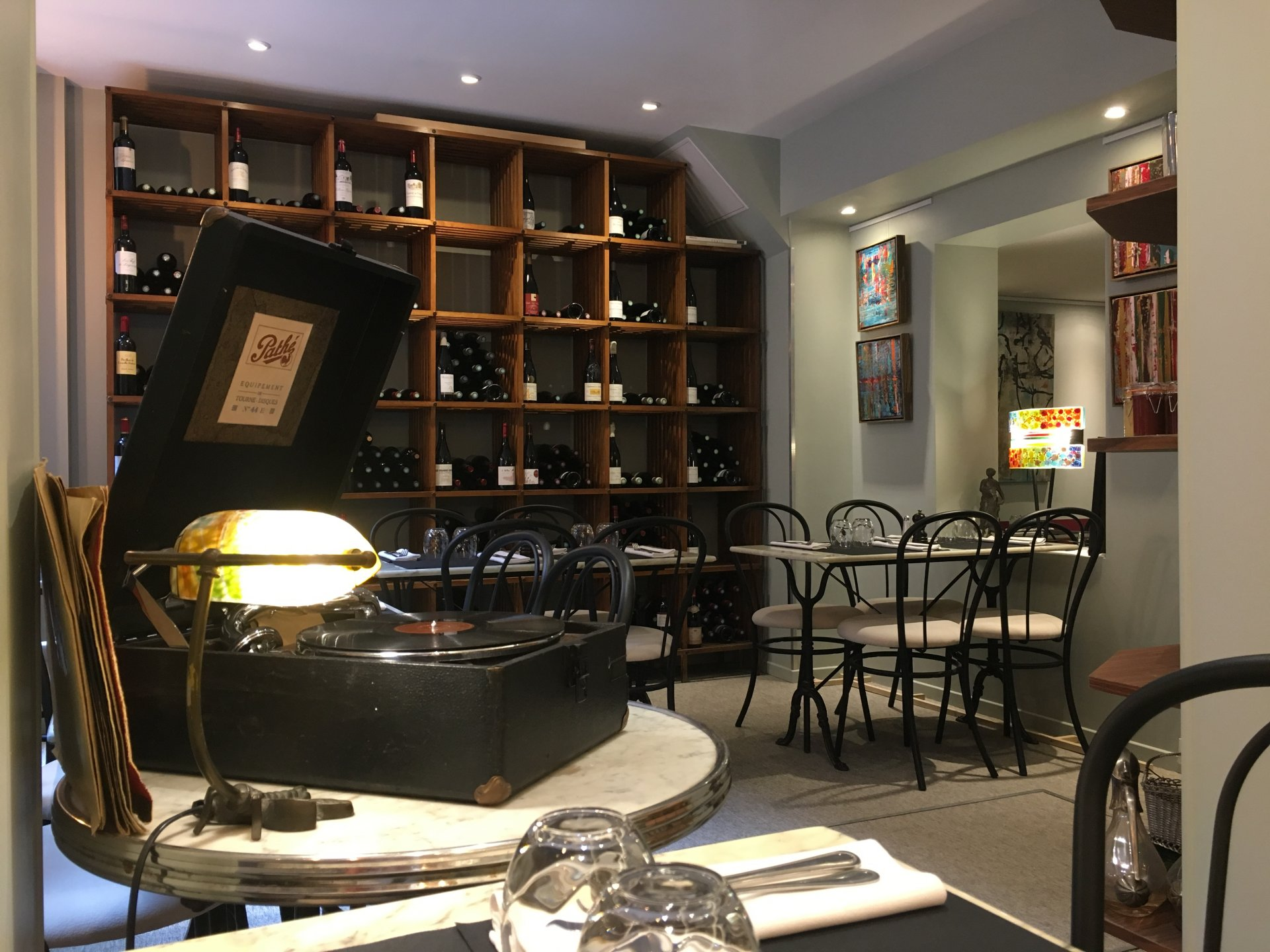 la boutique des vins paris paris offrir cadeau restaurant. Black Bedroom Furniture Sets. Home Design Ideas