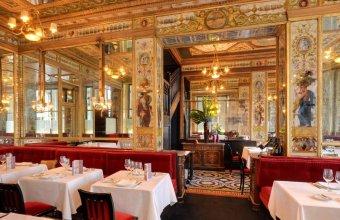 Repas entreprise dans un haut lieu de la gastronomie restaurant groupe PARIS 1