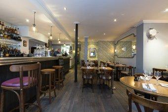 Repas entreprise dans un bistrot au savoir faire d'antan restaurant groupe Paris 8