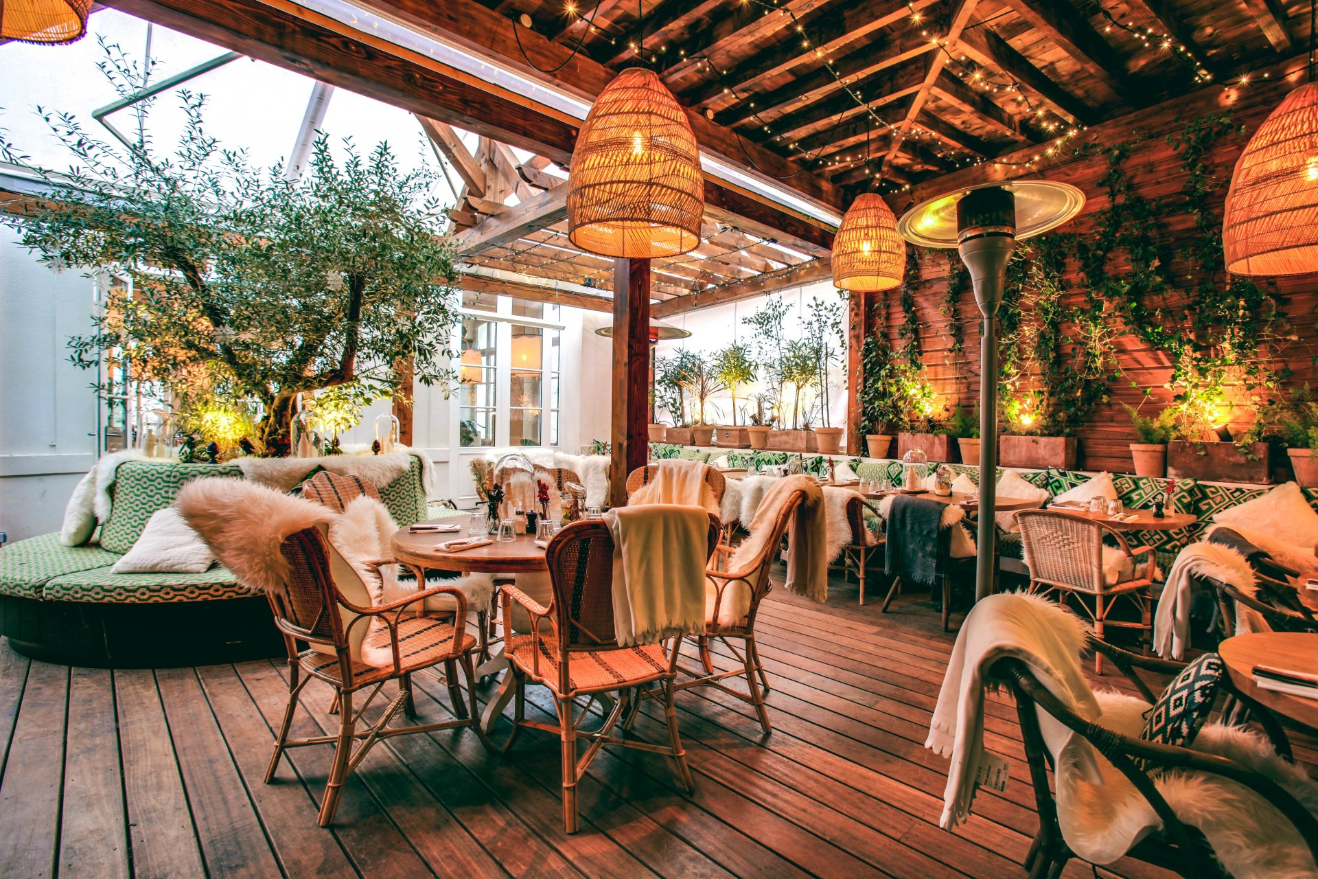 Brasserie auteuil paris paris offrir cadeau restaurant - Photo fermer une terrasse couverte ...