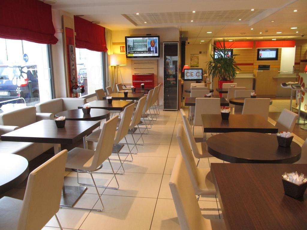 Ibis Etampes***