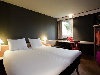 Ibis Provins***