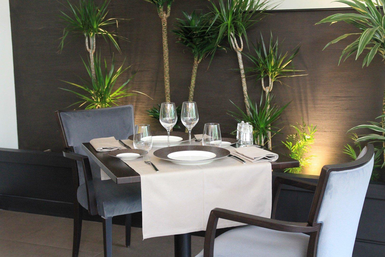 Repas entreprise dans un restaurant gastronomique restaurant groupe Issy-les-Moulineaux 92