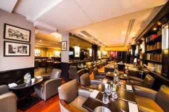 Repas entreprise dans une ambiance Corse restaurant groupe PARIS 15 75