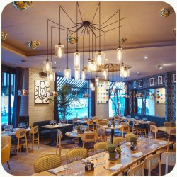 Repas entreprise dans une adresse incontournable. restaurant groupe Paris 17